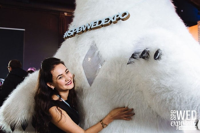 белый медведь на свадебной выставке в Спб санкт петербурге питере