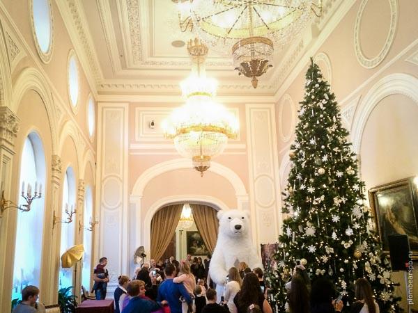Белый медведь на детском празднике в отеле Империал Спб